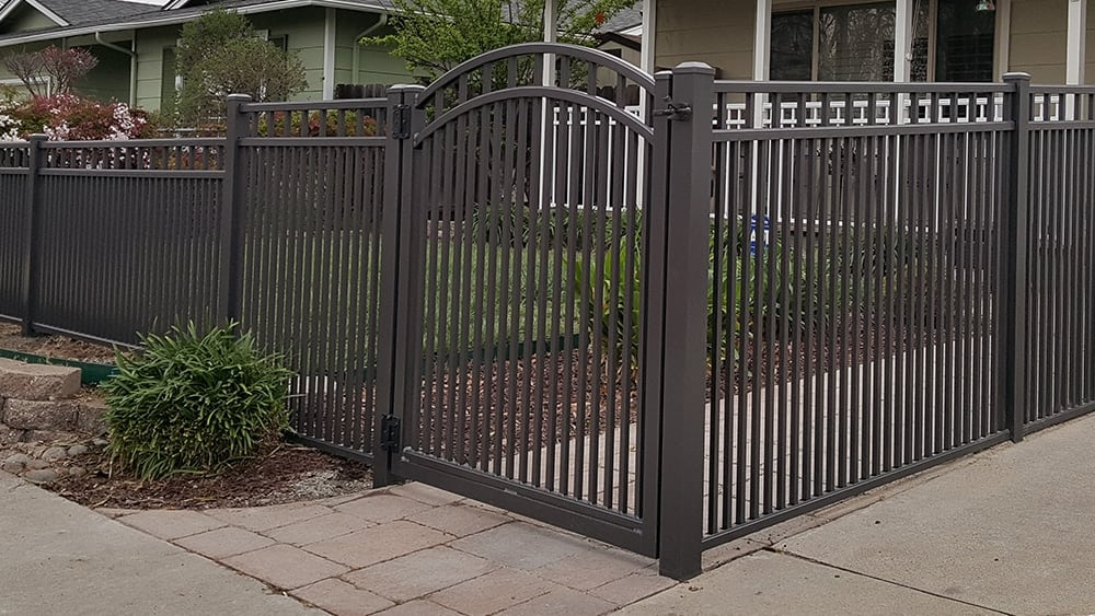 Aluminum Fencing with Royale Spacing